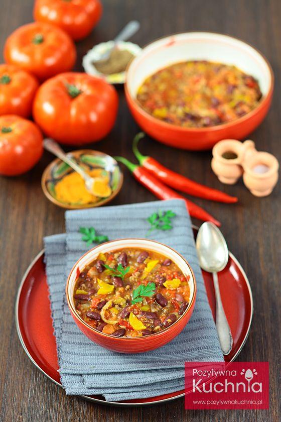 Chili con carne - #przepis na #chili meksykańskie z fasolką, wołowiną, papryką i pomidorami  http://pozytywnakuchnia.pl/chili-con-carne/  #pomidory #papryka #fasola #kuchnia #obiad