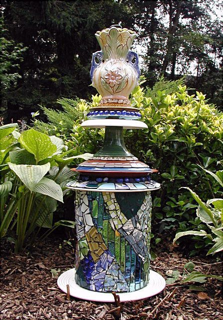 The 226 best Mosaic Totems images on Pinterest | Garden totems ...