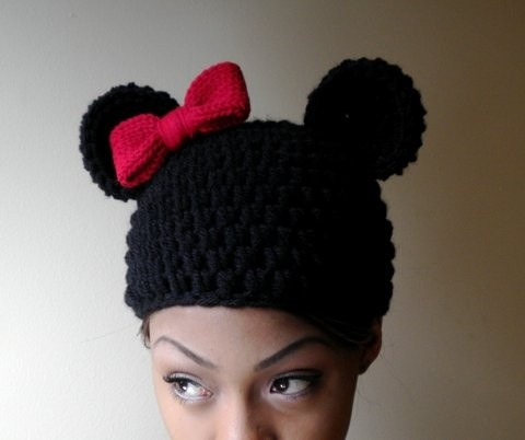 Knitted Minnie Mouse Hat Pattern : GGD: Knit Minnie Mouse Ears? WANT! Minnie Mouse Pinterest Ear hats, Mic...
