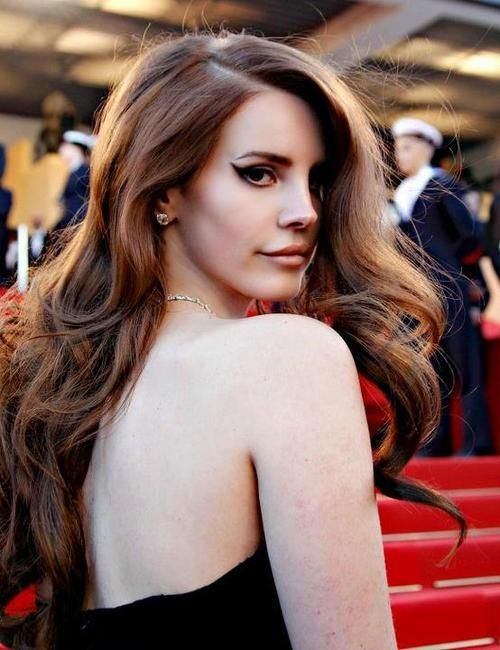 lana del rey - that hair, that eyeliner