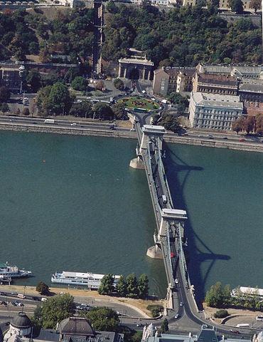 The Széchenyi Chain Bridge is a suspension bridge that spans the River Danube between Buda and Pest. #Bridges