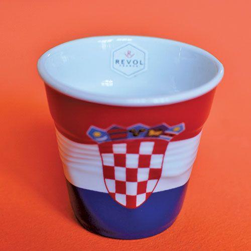 tasse drapeau Croatie éditée par les porcelaines Revol, fabriquées en france et dessinées par Béatrice Pène pour Assiettes et compagnie