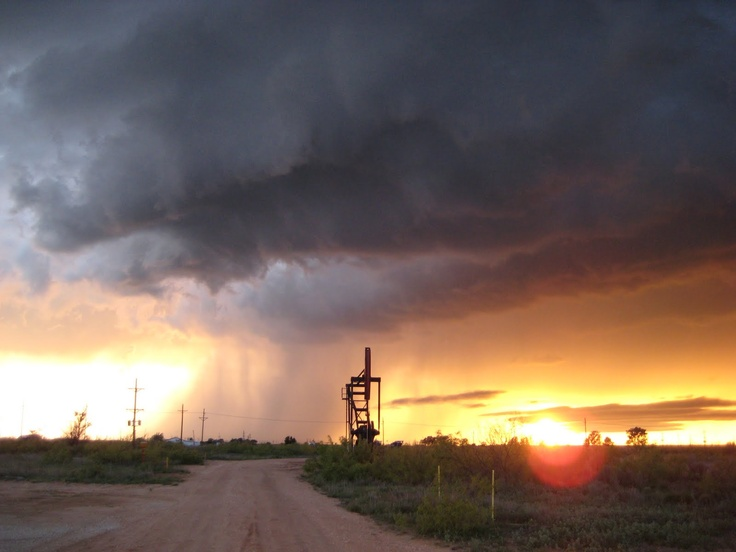 afternoon thunderstorms. Odessa, Texas