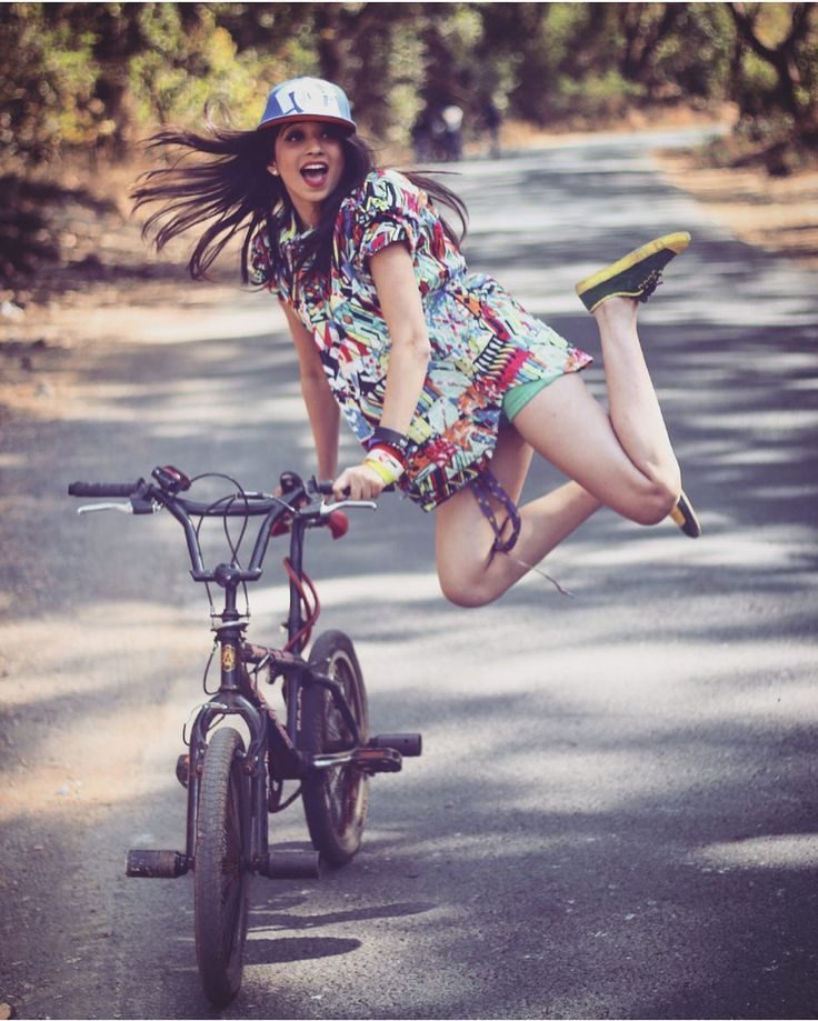 "vrushyy: ""80kkkk yeahhhhhhhh soo sooo happpyyyyy tytytyty soo mchhh love u alllll not a perfct shot @karan_explore n @vasist_marley time get da cycle for more time"""