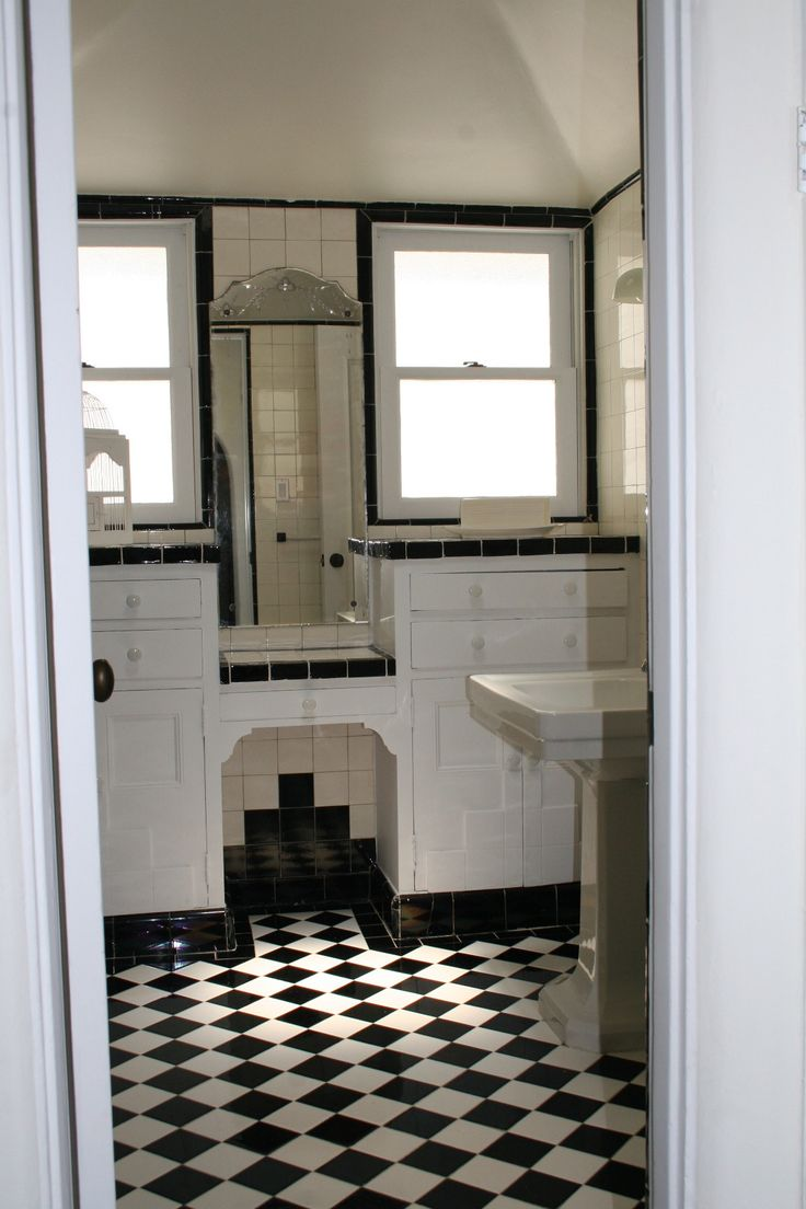 Black and white art deco bathroom - Restored Tile Bathroom In A 1920 S Spanish Home In The Hollywood Hills Black White