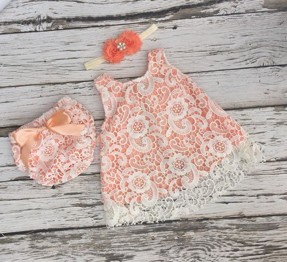 Vestido de la muchacha del bebé. Vestido Ivory de encaje del
