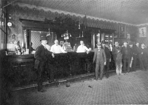 Interior of a Vancouver bar room, 1917. (Photo via Vancouver Archives)