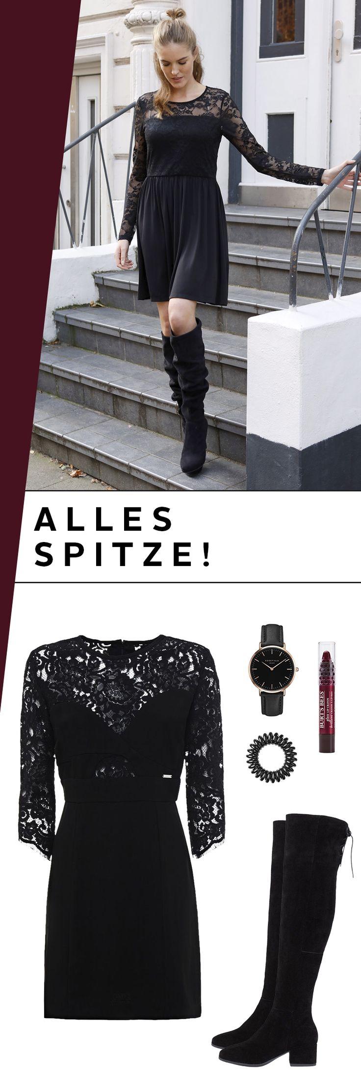 Wir sind der Meinung, dieses Outfit ist: spitze! Das Hingucker-Kleid von Guess begeistert mit den wunderschönen Spitzendetails und einem hinreißenden Schnitt. Kombiniere es mit den hohen Stiefeln und einem knalligen Lippgloss zu einem verführerischen Outfit!