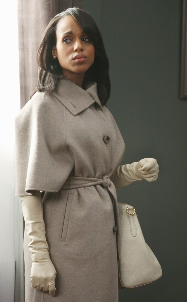 Actress Kerry Washington's stunning look in episode 14 of Season 2 of ABC's Scandal was styled by Lyn Paolo. Designer Vera Wang told Paolo that this is the look that brought back gloves.