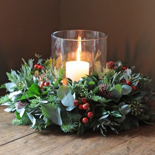 Christmas decoration - The Real Flower Company Christmas Rose Hips & Pine Table Wreath