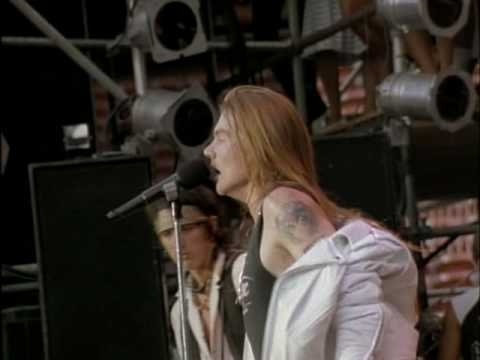 1990 Guns N' Roses - Paradise City: Another milestone in the history of music I guess. One of the first songs that I could play on the guitar. Or at least I thought so...