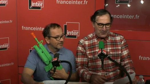 """François Morel ressuscite un groupe d'humoristes qui a connu son heure de gloire dans les années 1990 : """"Les Daeschiens"""". Il reçoit """"le gars Thomas"""", aspirant """"terroriss""""."""