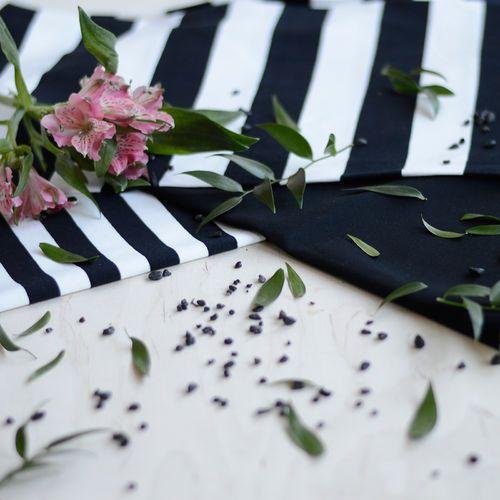Raidat, Black/Vanilla | NOSH Fabrics Spring & Summer 2016 Collection - Shop at en.nosh.fi | Kevään 2016 malliston kankaat saatavilla nyt nosh.fi