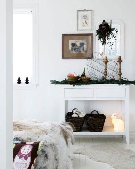Scandinavian Christmas Decorating // from Vakre & Hjem Interior