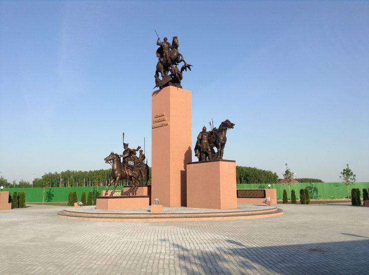 """Монумент """"Слава Русской кавалерии"""". КСК """"Русь"""", МО. 2014. Бронза, бетон."""