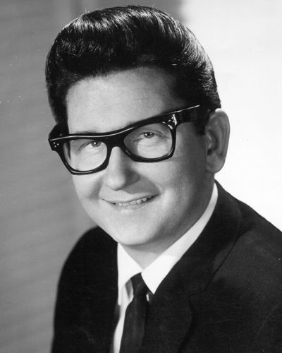 roy orbison - Bing Images   def some of the first songs ive ever rem hearing.  miss and love you grandma.  PRetty woman, def a classic