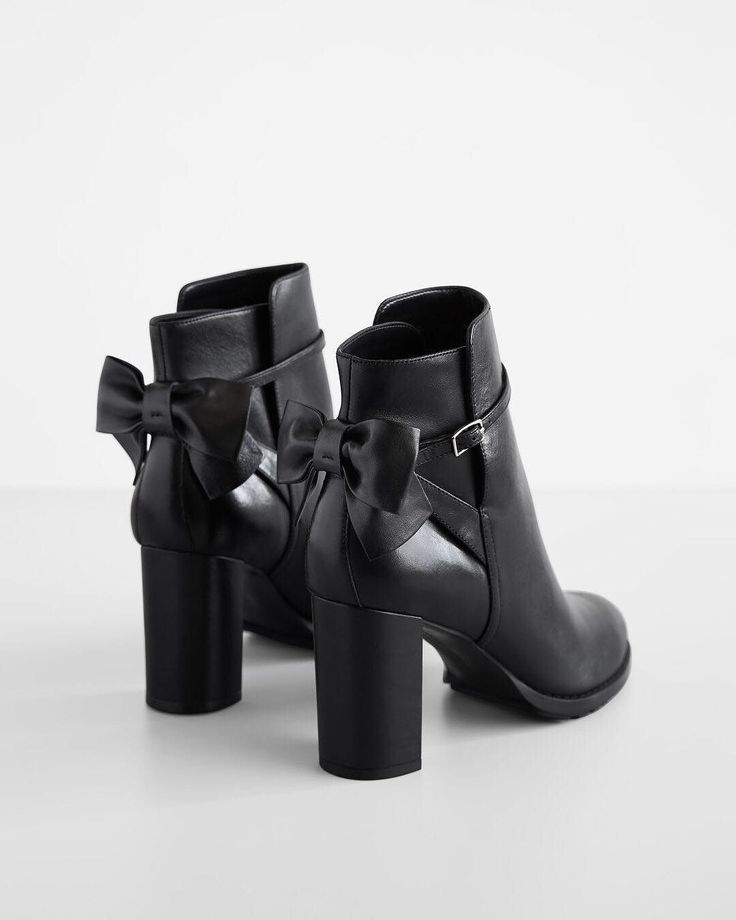 - This Yummy  Boots that just sold on Wrhel.com Want to know what she paid for it? Check it out.