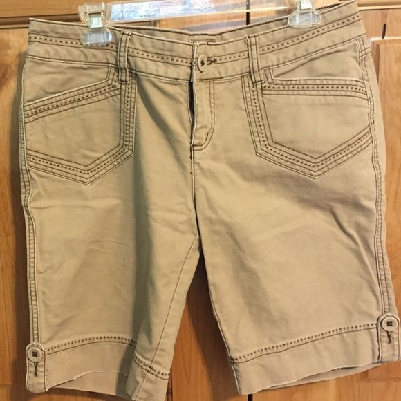 Buy 2 get 1 FREE Maurice's brown shorts size 11/12 Maurice's brown shorts size 11/12. Lighter brown with heavier dark brown stitching. Super cute. Smoke free home ✨ Excellent feedback, Posher since 2013 Maurices Shorts