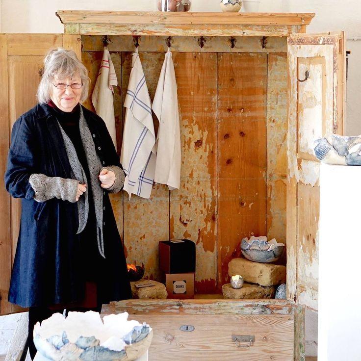 Lise-Lotte Nielsen Artists