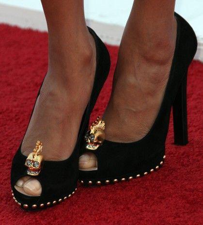 Tyra Banks workin' the Alexander McQueen crystal skull pumps.