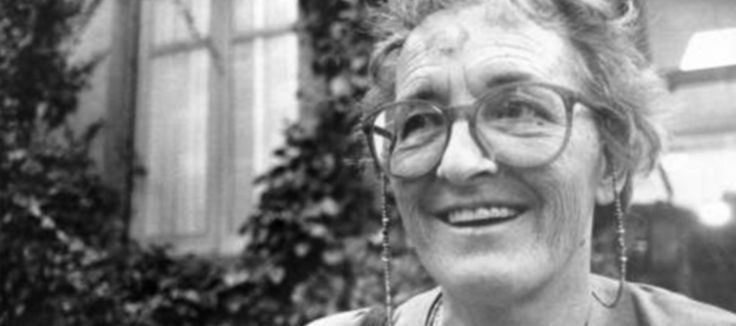 """""""People are like stained-glass windows. They sparkle and shine when the sun is out, but when the darkness sets in, their true beauty is revealed only if there is a light from within."""" Elisabeth Kubler-Ross """"Guilt is perhaps the most painful companion of death."""" Elisabeth Kubler-Ross (On Death and Dying, 1969) """"The most beautiful people …"""