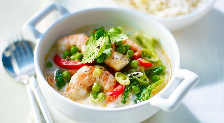 273 calories One of my favourite quick suppers. It's so easy to prepare and really delicious. SERVES 2 • PREP 5m • COOK 10m 1 tsp sunflower oil (27 cals) 1 tbsp Thai green curry paste (30 cals) ½ ×...