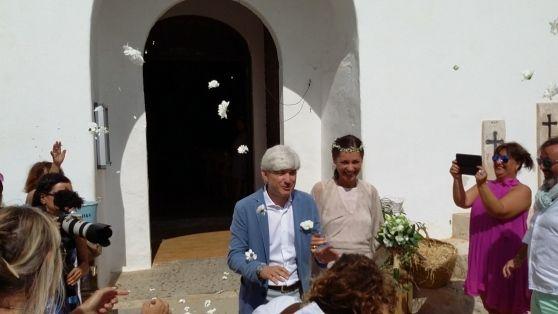 Alessandro Pastacci si è unito in matrimonio nell'isola spagnola con Giulia Casari