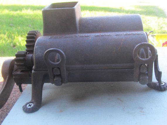Antique Cast Iron tabac meuleuse; Breveté 02/08/1859; Moulin à feuille victorien