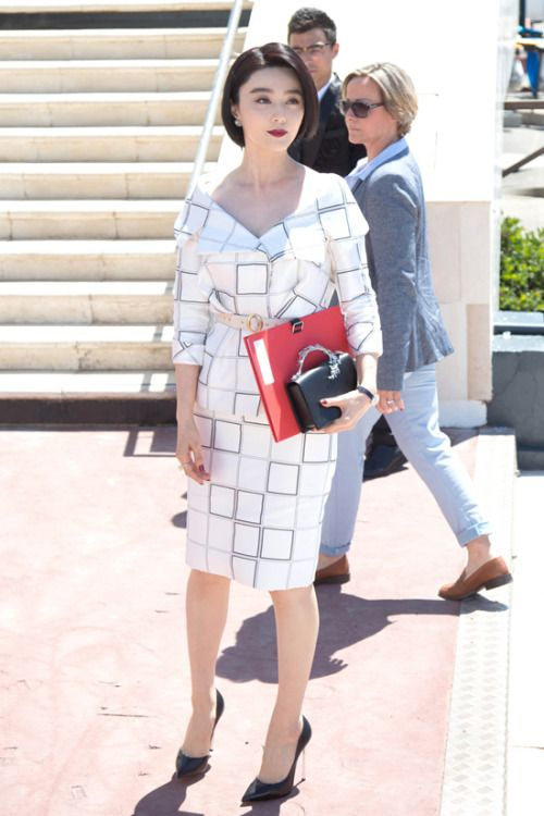 Fan Bingbing at Cannes Film Festival 2017 : Fan looked stunning in a black and white printed Ralph & Russo ensemble with matching Casadei shoes and clutch. Very classy!