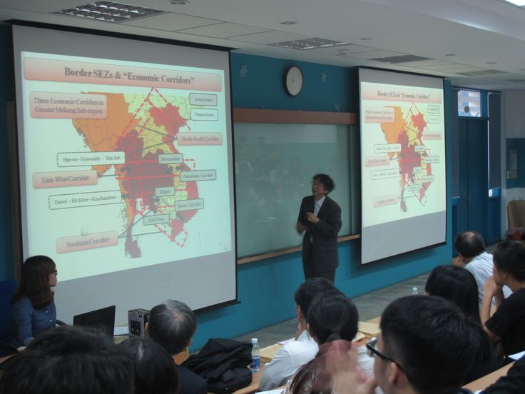 "Professor Hiroyuki Taguchi from Saitama University presented about ""The updated ""Abenomics"" and Japanese economy"""