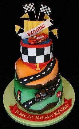 disney pixar cars cake ideas   Disney Cars Fondant Cake Image Courtesy of waybeyondcakes