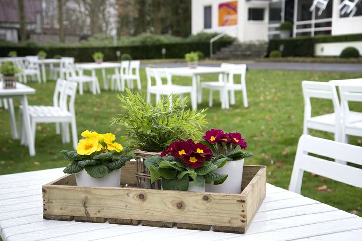 simply decorating the garden table