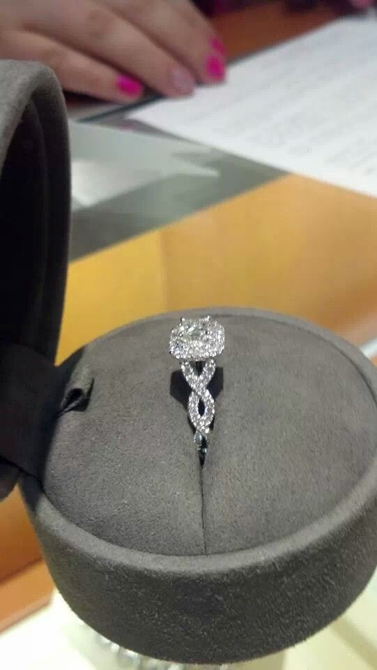 Side of Vera Wang engagement ring. Xoxo