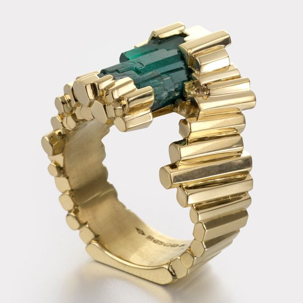 Exceptionnelle Emeraude #Emerald and #Gold #Ring by Ornella Iannuzzi http://www.fldesignerguides.co.uk/engagement-ring-designer/ornellaianuzzi