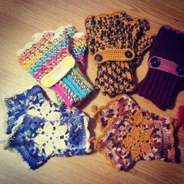 Fingerless Mittens (September '14) #ninamarie_fi #crochet #crochetaddicted #novita7veljestä #novitanalle  #novita #virkkaus #virkkaushullu