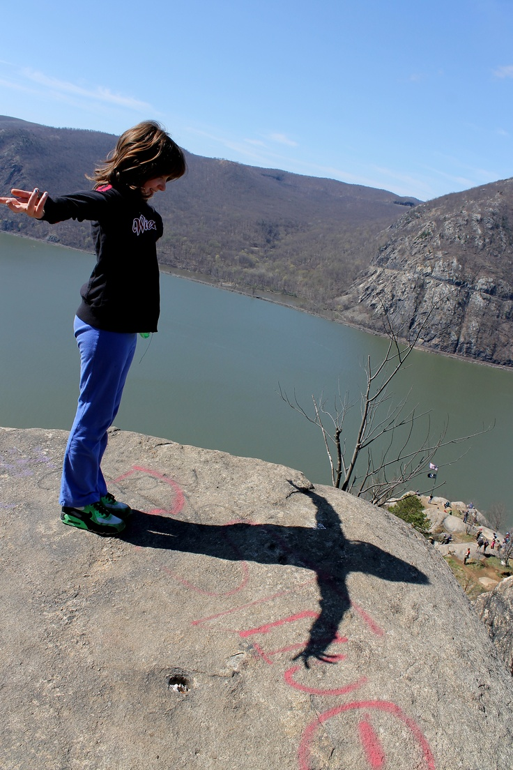 Breakneck ridge hike north of cold spring ny on route 9d overlooks the hudson river hikes pinterest cold spring ny hudson river and hiking