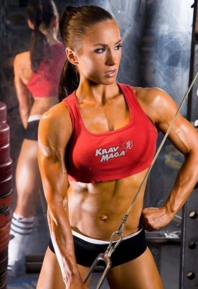 Not getting the results you'd like despite regular training and a pretty clean diet? Chances are you haven't maxed out, but just need to make a few alterations to how you train and eat. That being said, here are Pauline's top 10 reasons you may have plateaued with your results.  #1: You're using the same weights now as you did a month ago. #2: You forget to take notes on how many reps you do so you actually just go in and do the exact same reps with the same weights every time. Your body is…