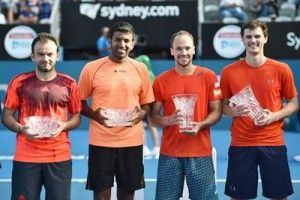 Indian tennis ace Rohan Bopanna and his Romanian partner Florin Mergea on Thursday claimed a straight-set win over the Australian pair of Omar Jasika and Nick Kyrgios to advance to the second round of the Australian Open.