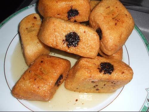 """Gâteaux Kabyle avec semoule qui s'appel en langue kabyle """" Makroud"""" ."""