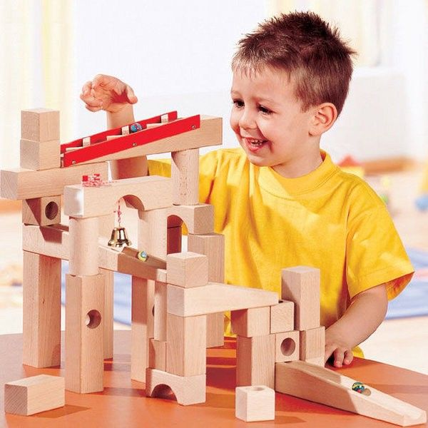 This marble run system from Haba is all about versatility and play value. It is the starter set that forms the basis for all Haba ball track systems #haba #christmastoys #marblerun