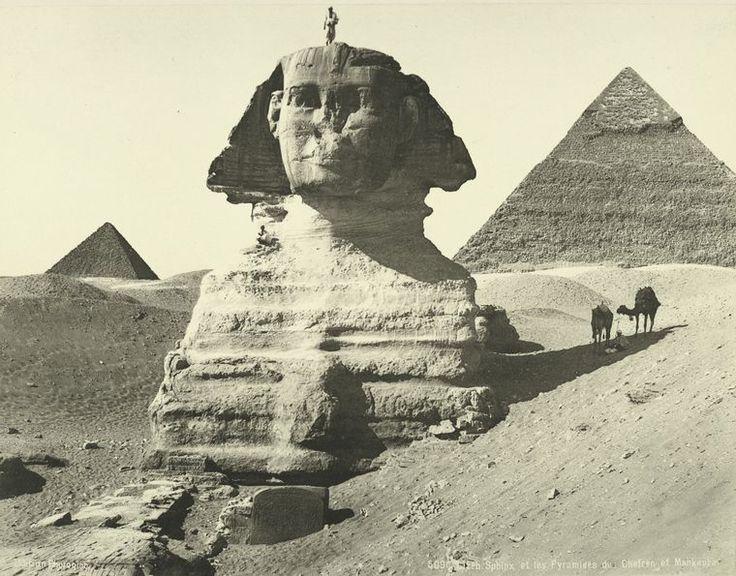 Giseh. Sphinx et les pyramides des Chefren et Mankaura.