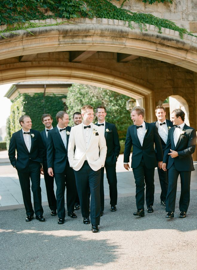 Groomsmen in black & groom in white dinner jacket - LOVE! // Leslie Herring Events // Amanda Watson Photography