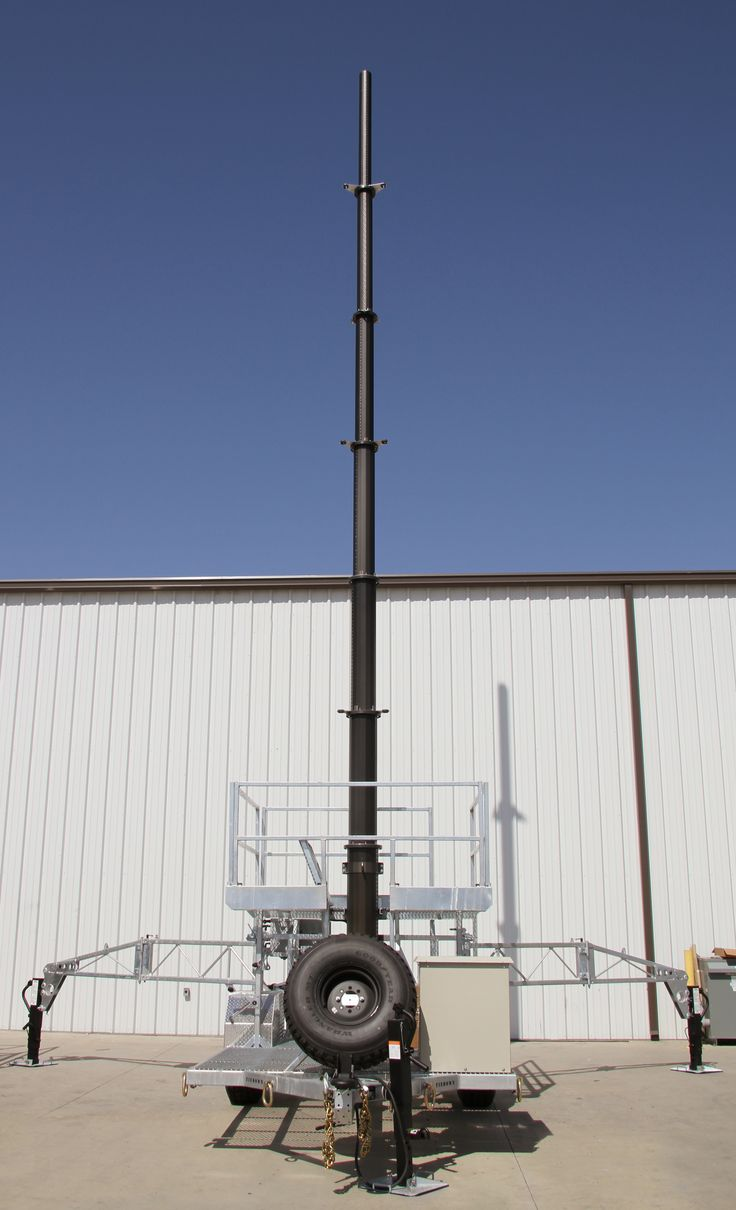 US Tower's RMTUHS639MGBGO Mobile Tower Unit with Hawk Series tubular mast.