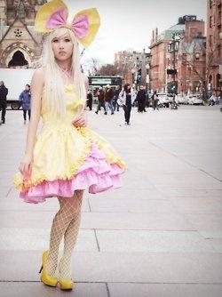 fluffy!: Street Fashion, Harajuku Girls, Street Style, Kawaii Fashion, Japanese Fashion, Lolita Fashion, Bow, Harajuku Fashion, Japanese Street