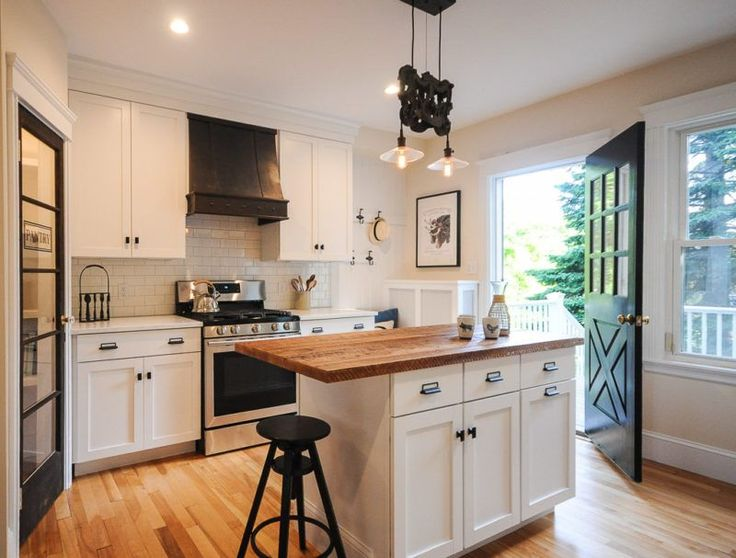 Ran into this wonderful bungalow renovation by Laurel of SoPo Cottage. As you can see by visiting her home renovation blog, she has a passion for restoring old homes. She started with her own and…