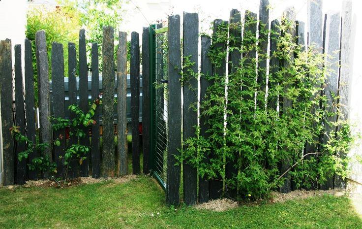 Intégration portillon dans clôture pieux de schiste ☛ http://www.diverint.com/memes-chistosos-para-el-chat-de-facebook-la-sirenita