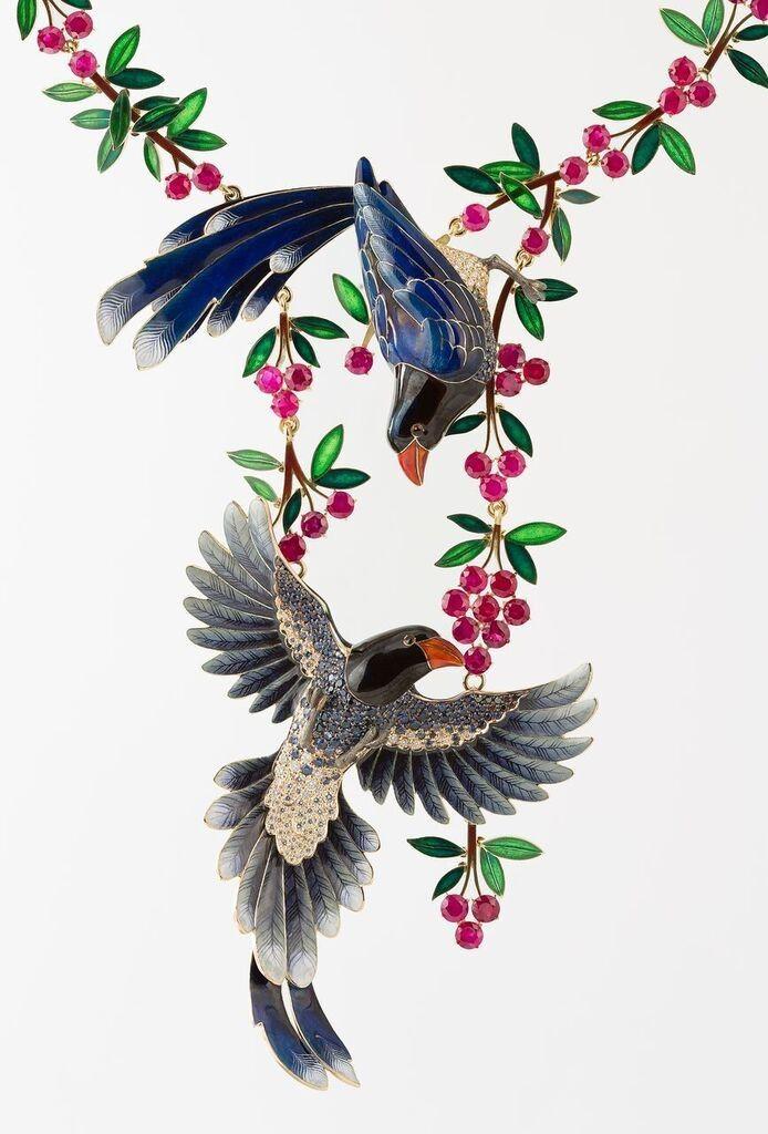 Ilgiz F. - Parrots necklace made in gold, enamel, diamonds, sapphires, tourmalines