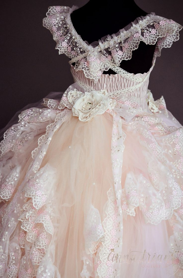 """Anna Triant Couture 