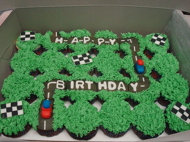 race car cupcakes already planning jeff's bday cupcakes... for december lol