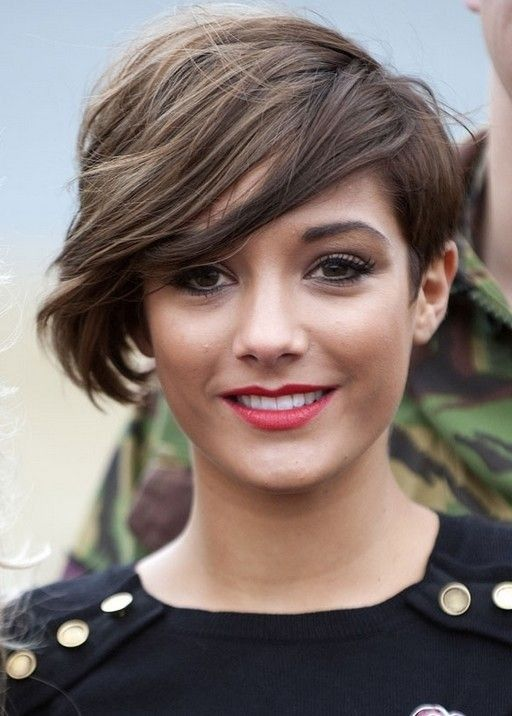 Short Hairstyles for Thick Hair: Short Haircut with Side Long Bangs